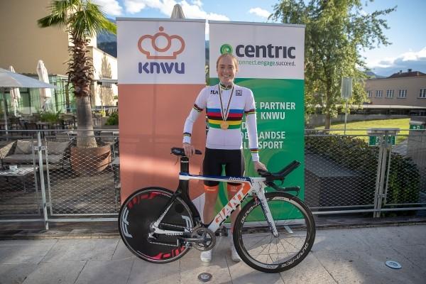 Ammerlaan won op fiets Van der Breggen
