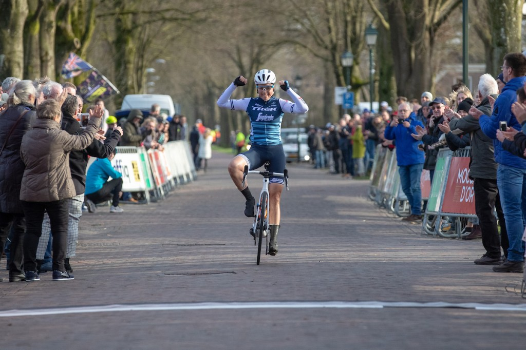 Cordon Ragot wint Drentse 8 (+video's)