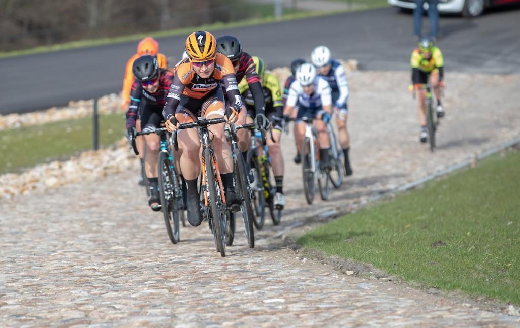 Pieters schuift op naar derde plaats in Women's Tour