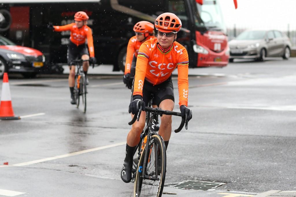 Marianne Vos verlaat Britse ronde in leiderstrui