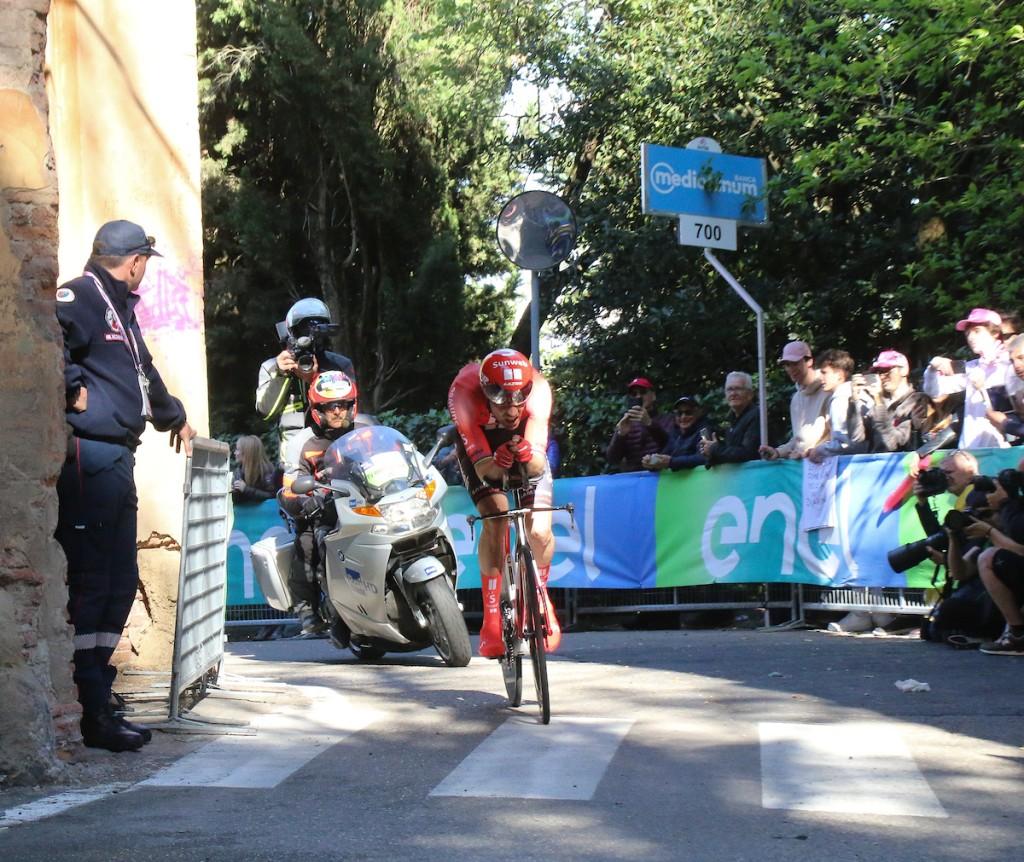 Dumoulin geeft op in Giro d'Italia