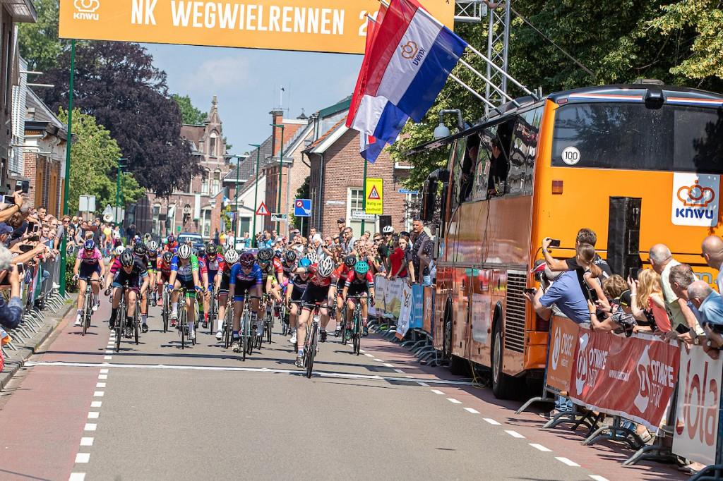 NK nieuweling-meisjes: Nienke Veenhoven wint