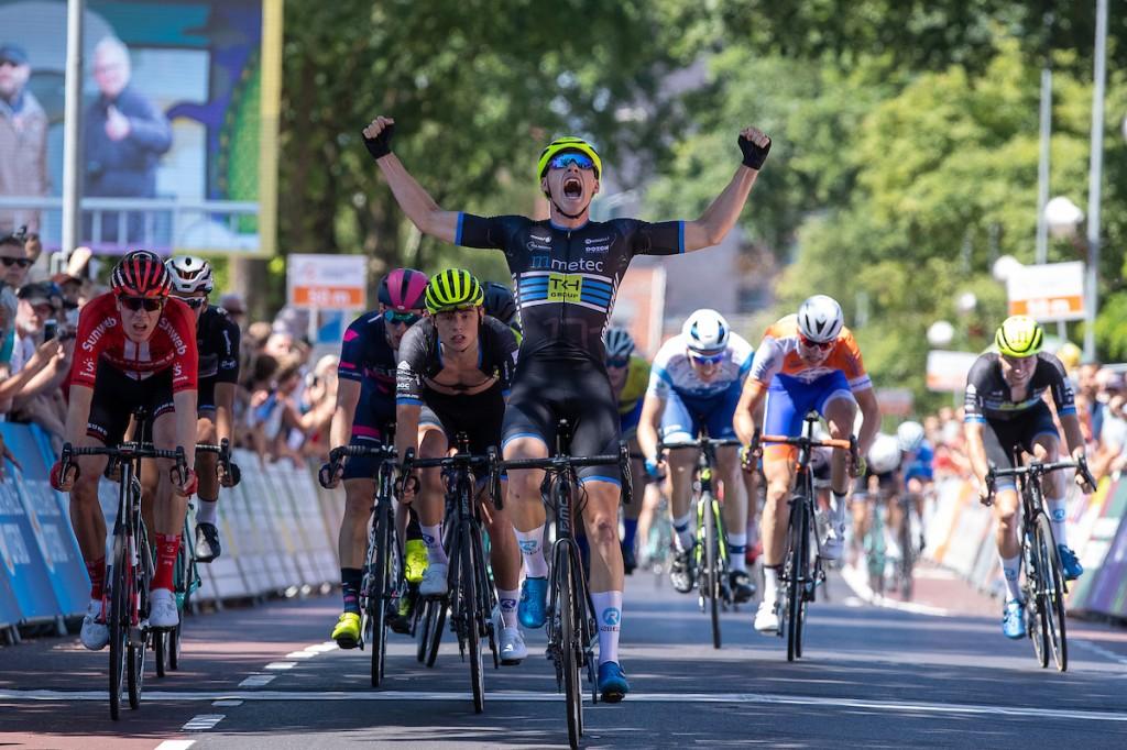 Metec-baas trots: Drie ex-renners in Giro