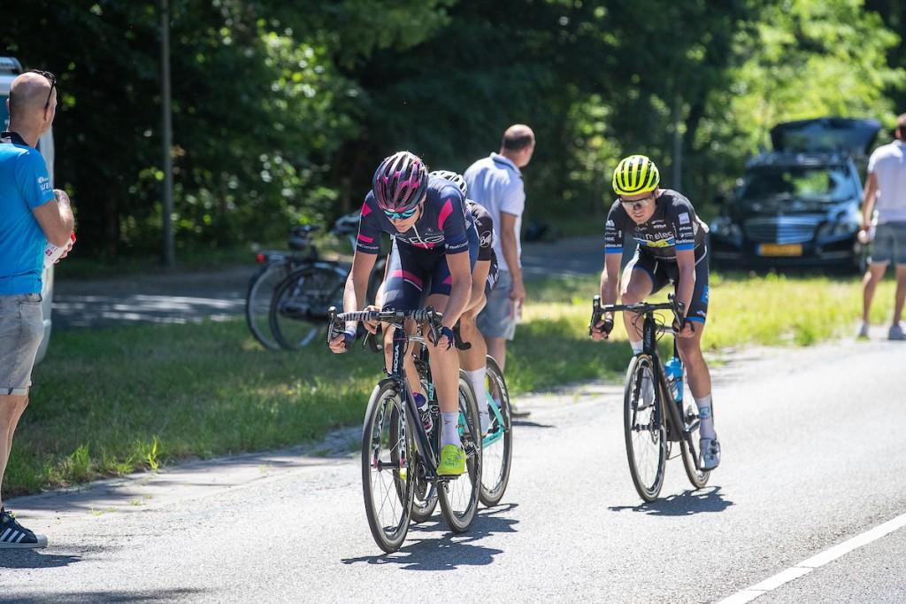 Hoole (derde) toont vorm in Giro beloften