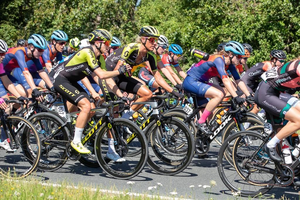 Van Vleuten neemt Tenniglo mee naar Giro Rosa