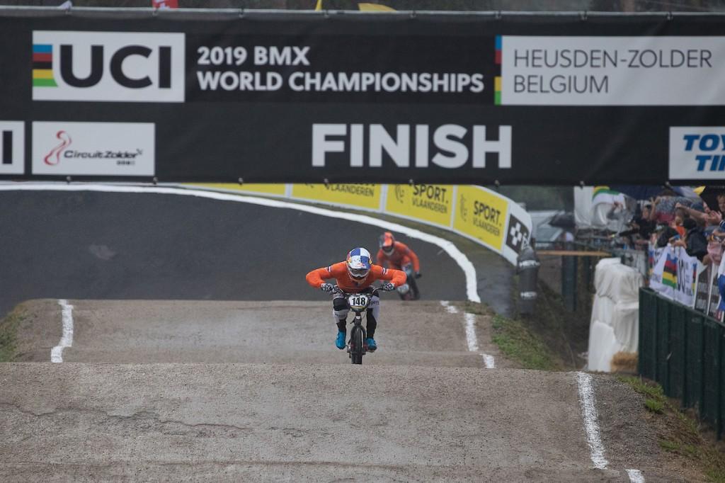 Geen WK BMX: Van Gendt blijft wereldkampioen