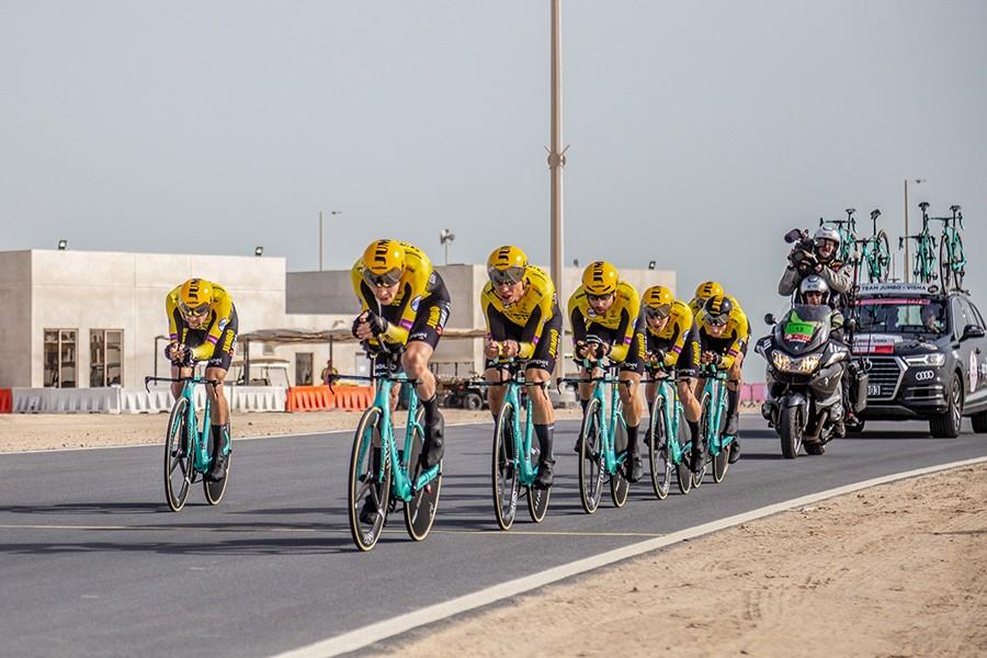 Jumbo-Visma wint ploegentijdrit UAE Tour