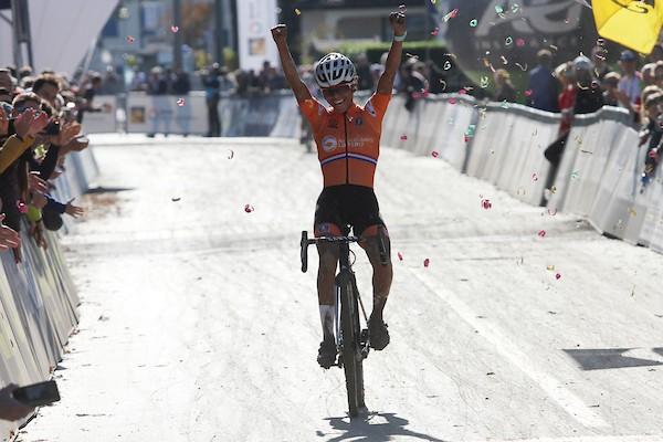 Alvarado volgt zichzelf op als Europees kampioene -23