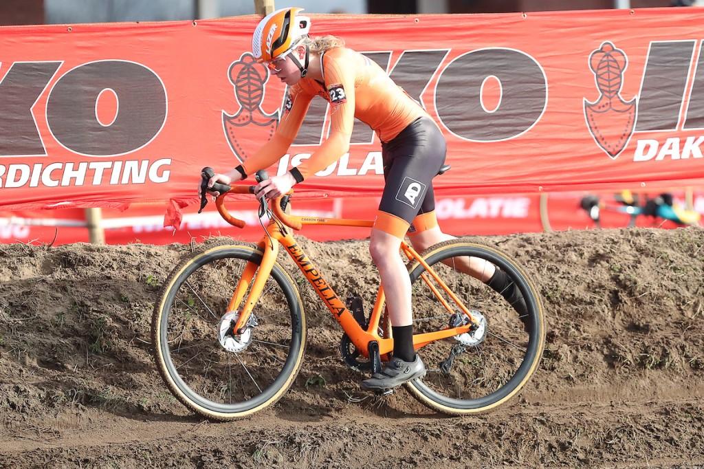 Van Empel maakt reuzensprong op UCI-ranglijst