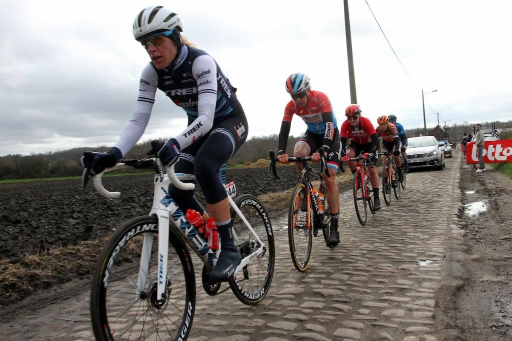 Van Dijk blij verrast over Parijs-Roubaix vrouwen