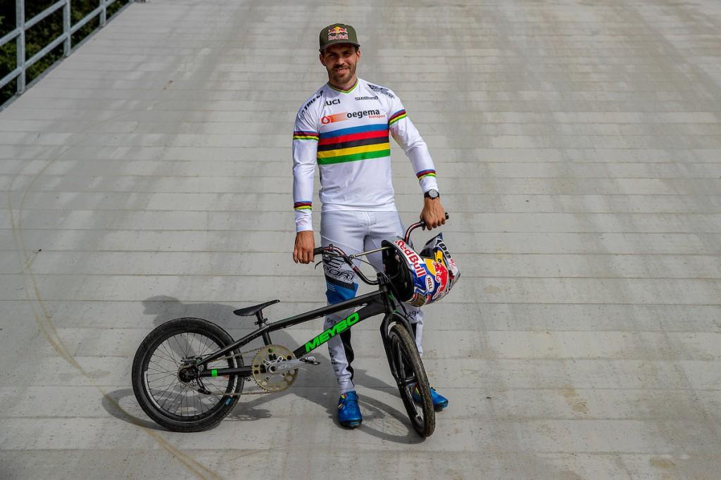Fieten mede-hoofdsponsor BMX-team Oegema