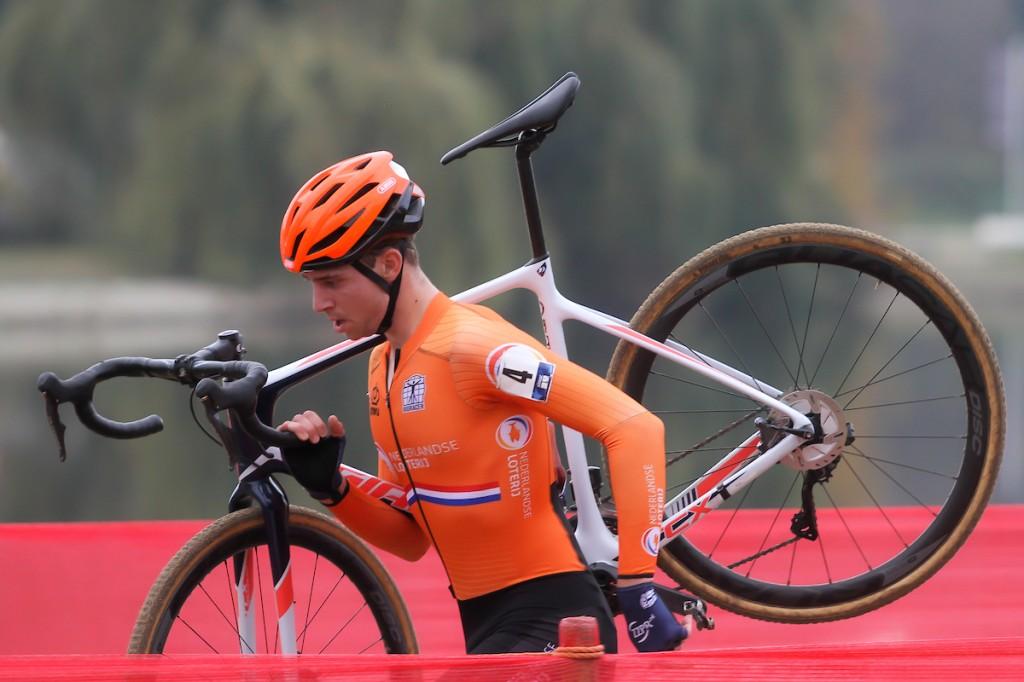 Maik van der Heijden zet punt achter veldritloopbaan