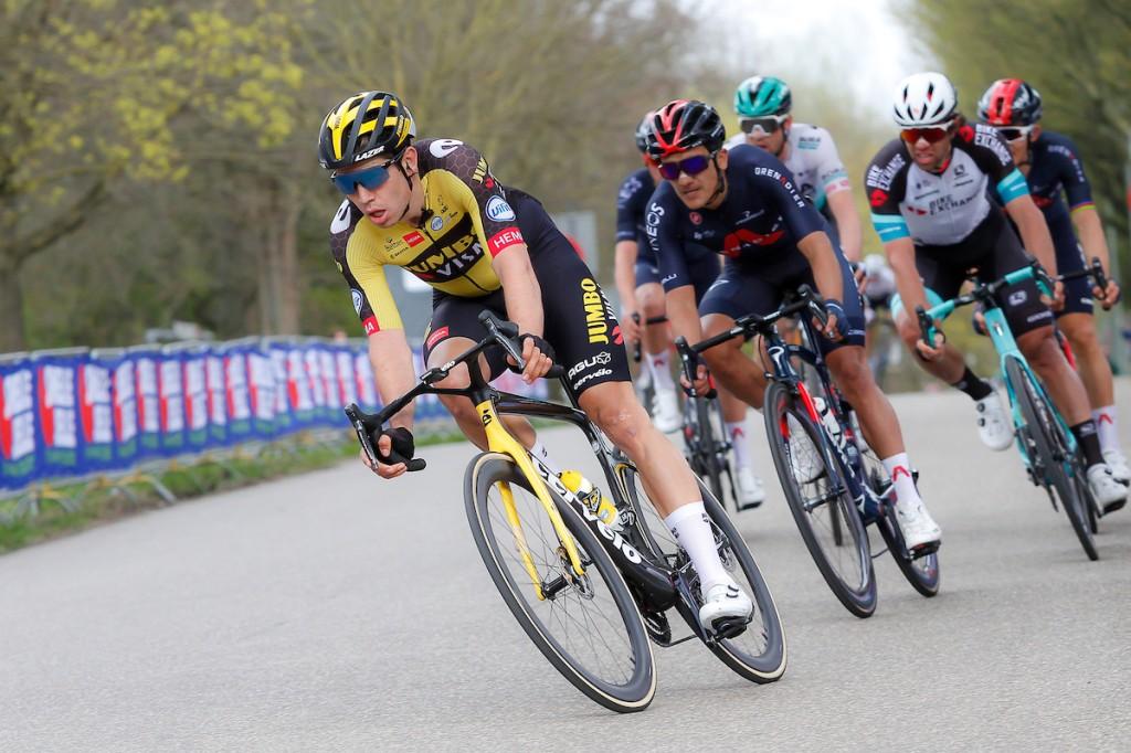 Van Aert wint Amstel Gold Race, Mollema baalt