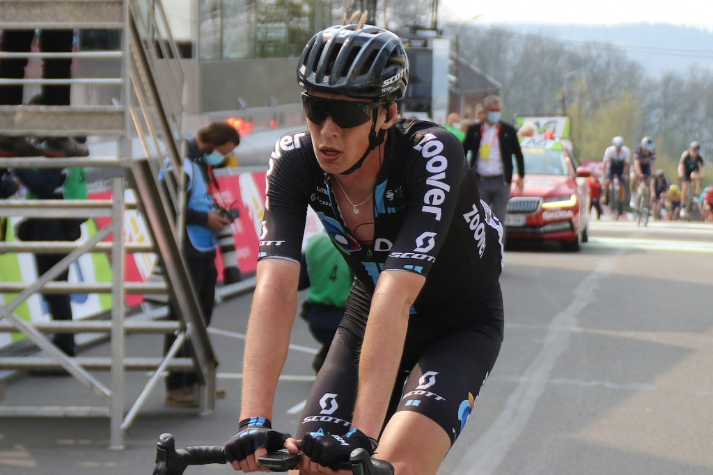 Sagan wint in Martigny, Arensman in aanval