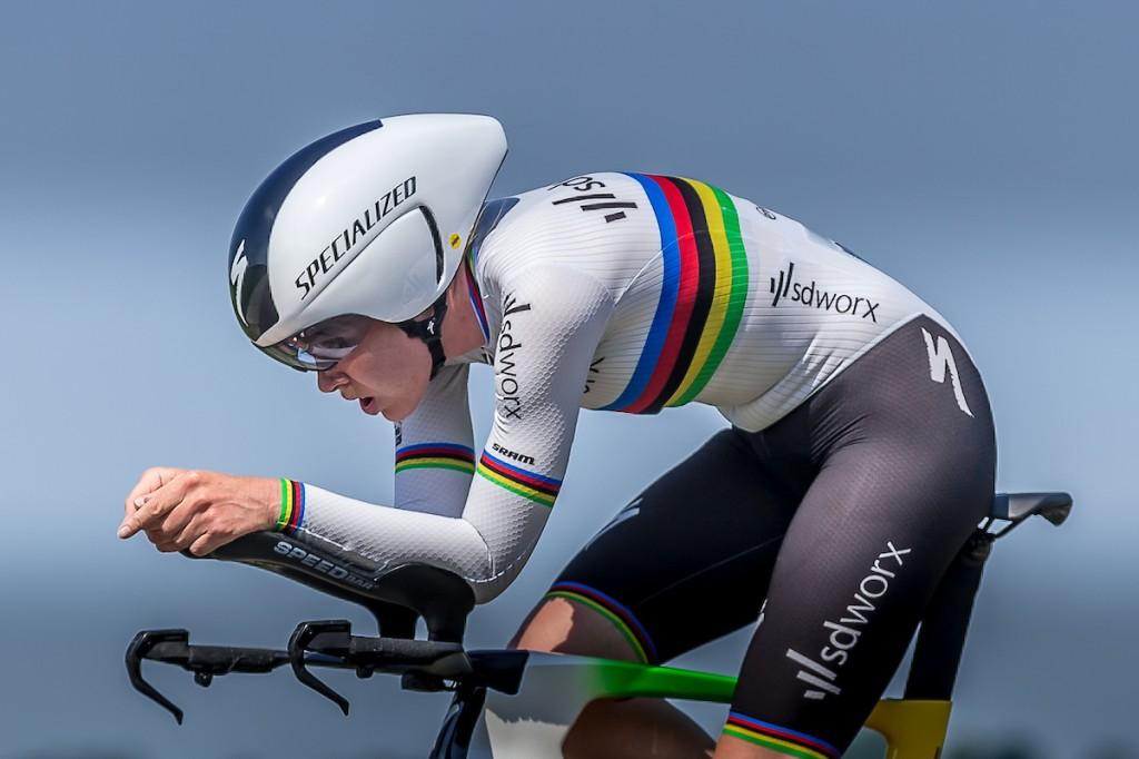 Giro Rosa: Van der Breggen breidt voorsprong uit