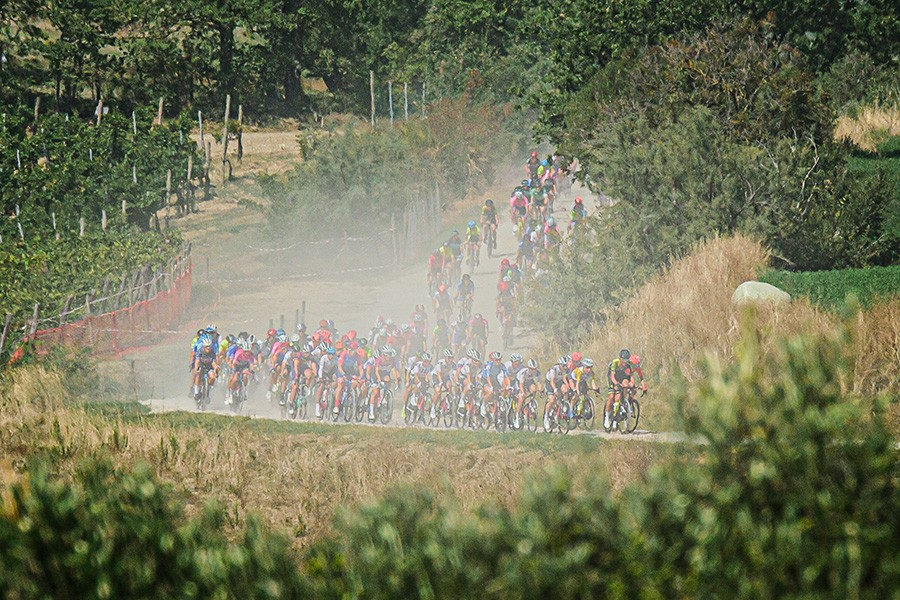 Van Vleuten slaat haar slag in Giro Rosa