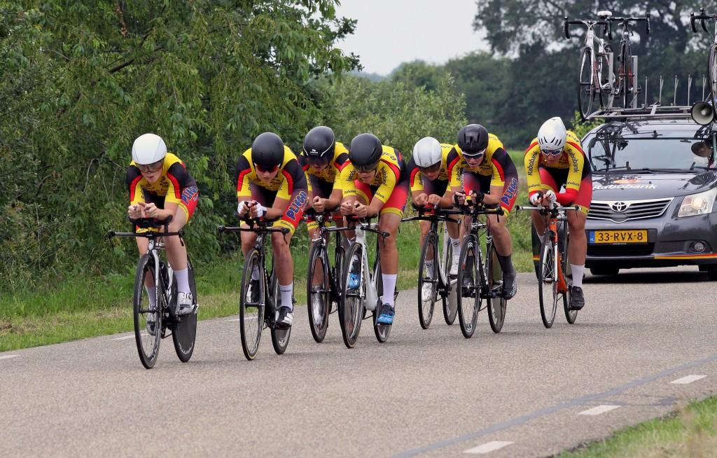 Van Arckel wint ploegentijdrit in Roden